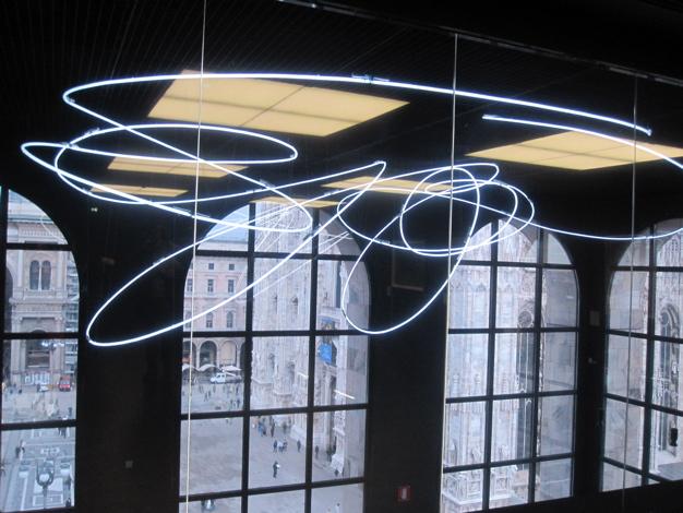 Lucio Fontana - Neon